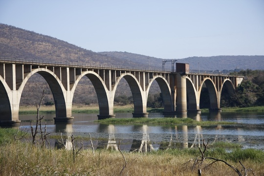 Image 7: Before: Water Level of  the Pongola River / September 2009
